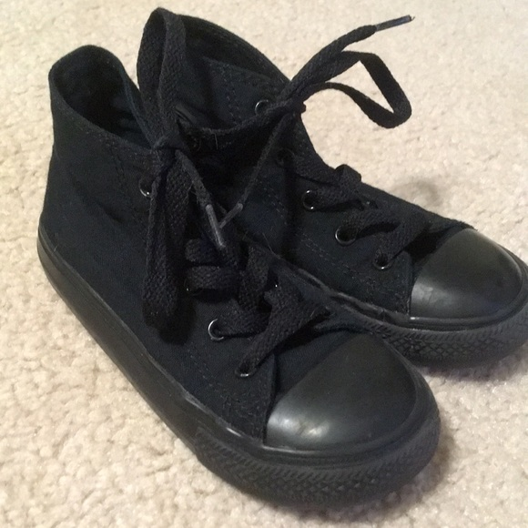 skate shoes retail prices more photos Like new all black kids Chuck Taylors
